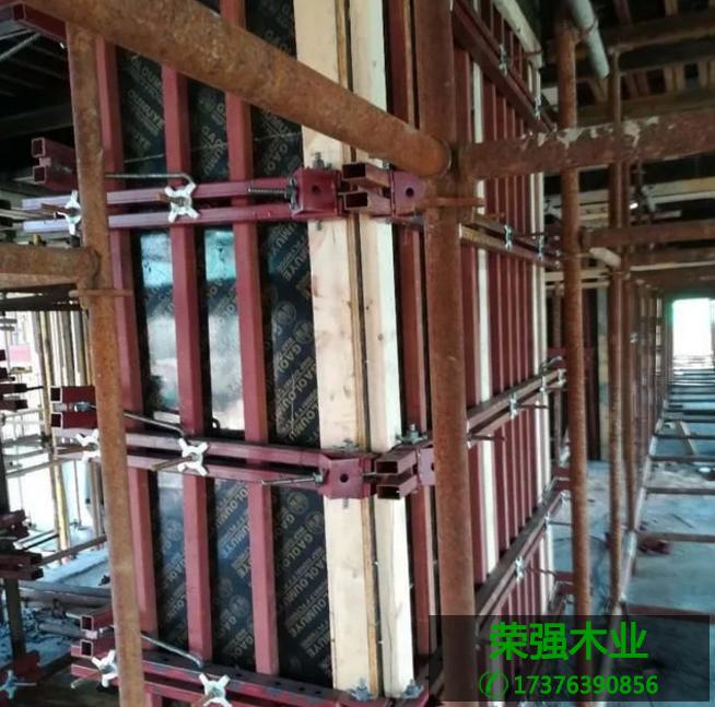 建筑模板拆装