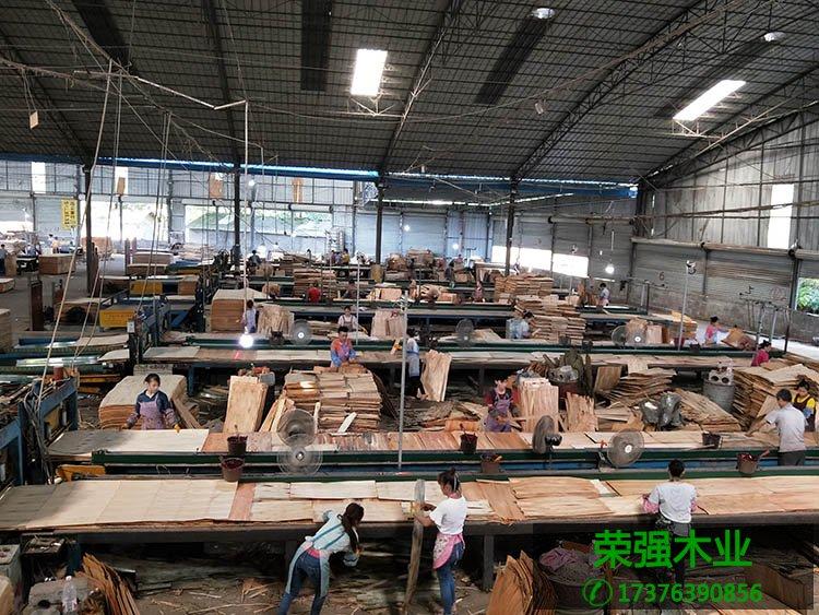 荣强品牌建筑模板生产